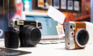 Fujifilm-Instax-Wide-300-Display
